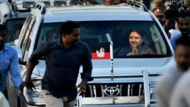 Photo of அதிமுக கொடியுடன் தமிழகம் நோக்கி சசிகலா
